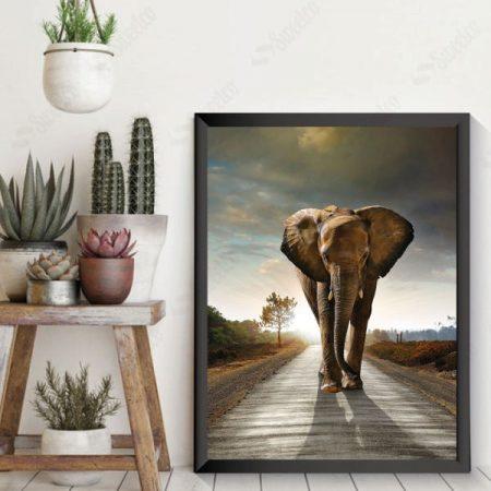 WALKİNG ELEPHANT